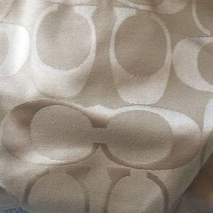 Coach Bags - Coach purse - great condition !!